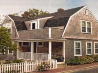 4 Bedroom 3 Bathroom Vacation Rental in Nantucket that sleeps 8 -(10128) - Image 1 - Nantucket - rentals