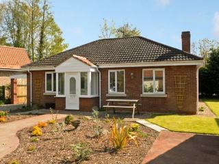 OLD ORCHARD COTTAGE, pet friendly, country holiday cottage, with a garden in Allerthorpe, Ref 12577 - North Yorkshire vacation rentals