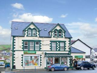 HARBOUR VIEW APARTMENT, pet friendly in Abersoch, Ref 12693 - Pwllheli vacation rentals