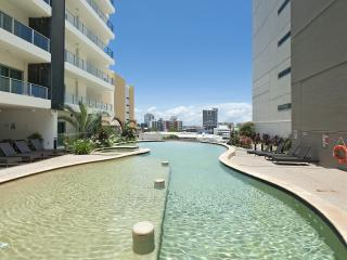 Darwin Executive Suites 2 Bed Sleeps 5 + FREE CAR - Darwin vacation rentals