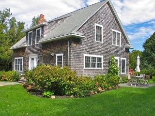 Two Bedroom West Chop Beauty! (309) - Massachusetts vacation rentals