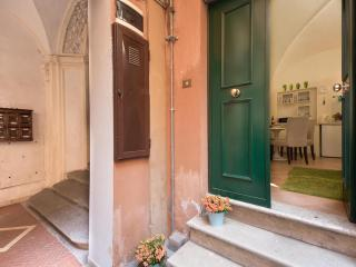 Navona Square Comfortable Apartment - Rome vacation rentals