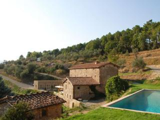 Tuscan Farmhouse with Pool Views Near Lucca  - Casa Maia - Vorno vacation rentals