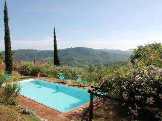 Tuscan Farmhouse with Views and Private Pool - Casa Felicita - San Martino in Freddana vacation rentals