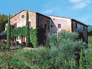 Farmhouse with Tennis Court and Private Pool - Casa Francesco - San Pietro a Marcigliano vacation rentals