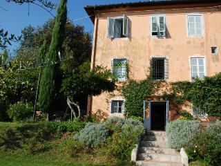 Tuscan Farmhouse with Views and Private Pool - Casa La Bottega - San Martino in Freddana vacation rentals
