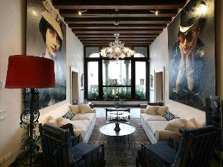 Muazzo Palace  5 STAR Venice  Luxury Sleeps 8 - Oriago di Mira vacation rentals