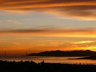 Luxe East Bay Home - spectacular views of S F Bay - Berkeley vacation rentals