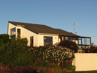 Atatu Beach House in Nelson- Abel Tasman - Nelson vacation rentals