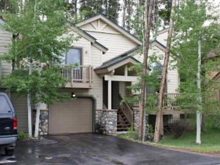 Amazing Rates for this 3-Bedroom 3-Bath House in Downtown Breckenridge - Sleeps 10! - Breckenridge vacation rentals