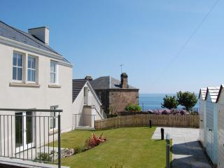 Stylish apartment in Crail with great sea views!! - Elie vacation rentals