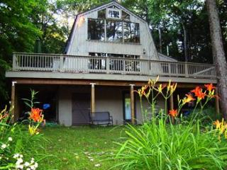 Bird Watchers Delight! Country Get-Away w/Pond! - Berkshires vacation rentals