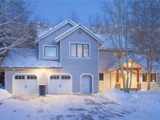 Gorgeous 4 bedroom House in Deer Valley with Deck - Deer Valley vacation rentals