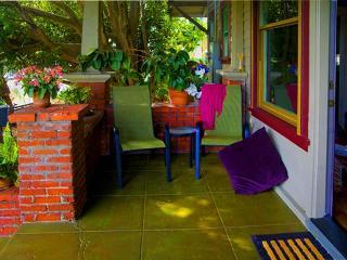 BABY DUX - Sweet Hideaway in the Heart of the Fun - Santa Barbara vacation rentals