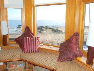 Beachfront heaven in Lower Largo!! - Fife & Saint Andrews vacation rentals