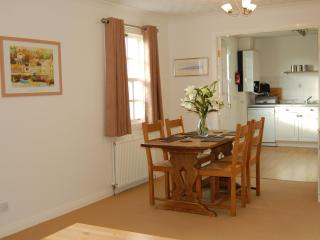 4-star apartment paces from Anstruther harbour! - Anstruther vacation rentals