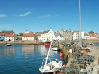 Harbourfront House with great sea views St Monans - Image 1 - Fife & Saint Andrews - rentals