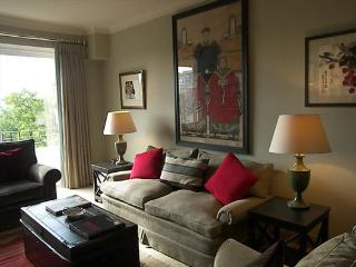 Wonderful 2 bedroom short let near Notting Hill - London vacation rentals