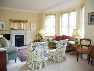 Bullingham Mansions (two bedrooms) Kensington, W8 - London vacation rentals