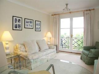 Brompton Park Crescent (two bedrooms) Fulham, SW6 - London vacation rentals