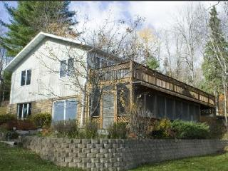 Nice Villa with Deck and Internet Access - Rapid River vacation rentals
