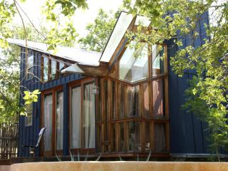 The Eco-funky Blue Loft on Lake Travis - Spicewood vacation rentals