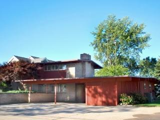 864 Monroe Blvd - McGuire House - South Haven vacation rentals