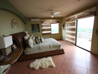LUXURIOUS VILLA  PACIFIC OCEAN & MOUNTAIN VIEW - Santa Elena vacation rentals