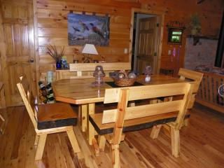 3 bedroom House with Deck in Lowell - Lowell vacation rentals