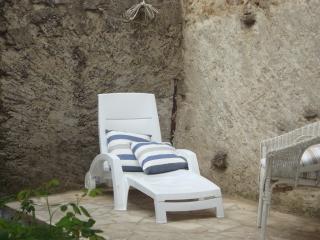 Stunning Courtyard Villa in Market village Olonzac - Olonzac vacation rentals