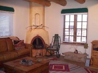 2 bedroom House with Mountain Views in Taos - Taos vacation rentals
