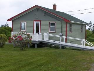Bright 2 bedroom Liverpool House with Deck - Liverpool vacation rentals
