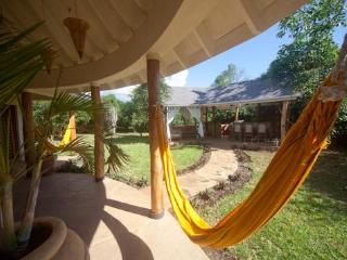 Kitu Kidogo Cottages - Chic cottages in Diani - Diani vacation rentals