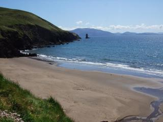 Luxury Home by Beach Great View of Dingle Bay.WIFI - Dingle Peninsula vacation rentals