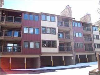 Walk to Lifts and Main Street - Ski-in via 4 O'clock Run (7014) - Summit County Colorado vacation rentals