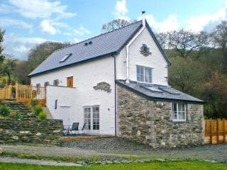 RED KITES RETREAT, family-friendly, luxury holiday cottage, with a garden in Eglwysbach, Ref 13007 - Eglwysbach vacation rentals