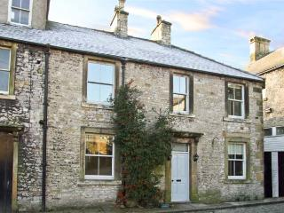 THE COTTAGE, pet friendly, character holiday cottage in Tideswell, Ref 11517 - Tideswell vacation rentals