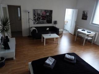 7th Floor Studio in Ke'damm, Berlin - Berlin vacation rentals
