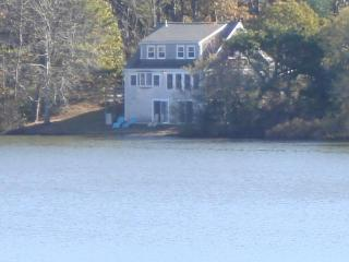 30' from pond, Private 4 bedrooms, Internet! - Wellfleet vacation rentals
