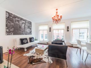 Smoker friendly aptm. 10 minute walk to Dam square - Amsterdam vacation rentals