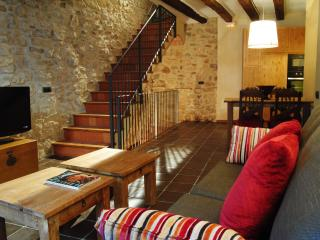 Charming House in Pradell de la Teixeta with Deck, sleeps 7 - Pradell de la Teixeta vacation rentals