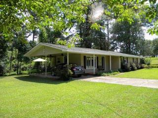 Lakefront Vacation Rental Home on Weiss Lake - Cedar Bluff vacation rentals
