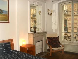 Arlette La Fourche Paris vacation rental for six - Paris vacation rentals