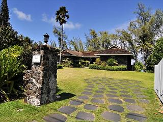 Waimanalo - Restored Historic Beachfront Home - Kailua-Kona vacation rentals