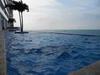 Beach front near city center - 2 bedroom Cartagena - Cartagena vacation rentals