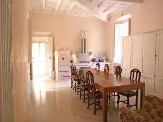 GrandOrsetto 3be3ba bright quiet 150m Pza Navona - Rome vacation rentals