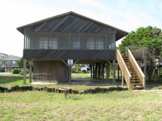 Comfortable House with Internet Access and Parking - Oak Island vacation rentals