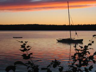 The Retreat A perfect Get-A-Way for you and yours. - Aurora vacation rentals