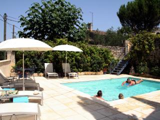 Rose Cottage with Pool amid Bordeaux Vines - Saint-Emilion vacation rentals