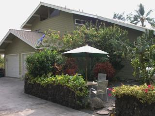 ~Spring Dates Beautiful 4 Bdrm Home, Right In Town - Kailua-Kona vacation rentals